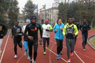 A Granarolo scende in strada la squadra dei profughi corridori